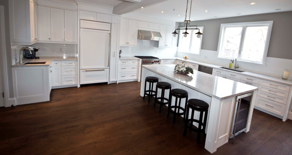 Toronto custom kitchen cabinets bathroom vanities for Kitchen cabinets toronto