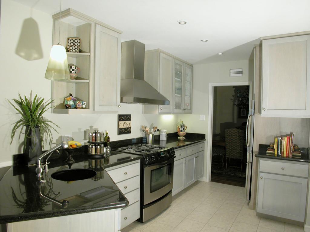 Great Ideas To Add To Your Kitchen Remodel Toronto Custom Kitchen Cabinets Bathroom Vanities Kitchen Design Renovation Parada Kitchens