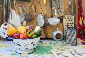 how-to-decorate-a-vintage-kitchen
